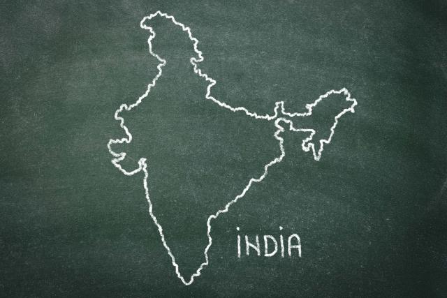 4か月後にインドへの海外転勤に帯同する妻と小学生の英会話レッスン